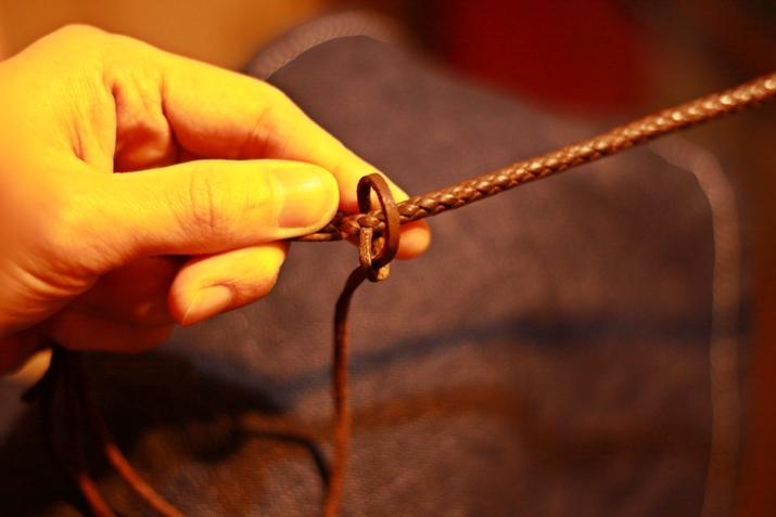 革 ブレスレット作り方 4