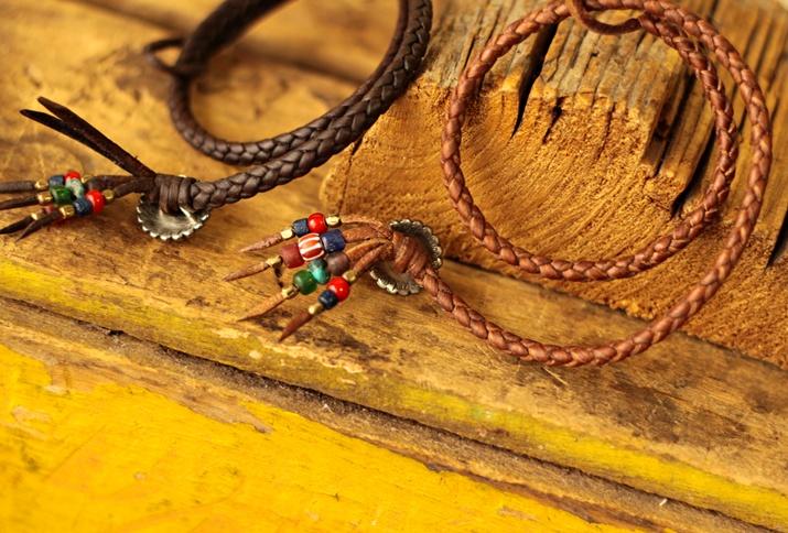 鹿革ブレス 6本編みと4本編みの違い