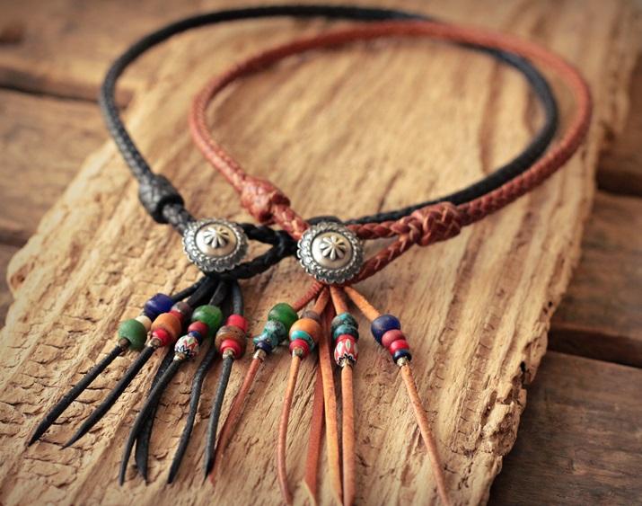 鹿革ネックレス